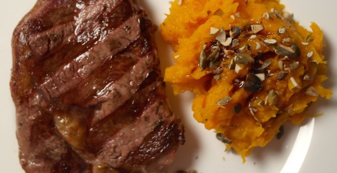 Oven-baked pumpkin… a perfect side dish for our steak!