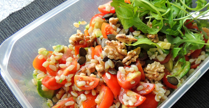 Sun wheat salad with avocado and tomatoes