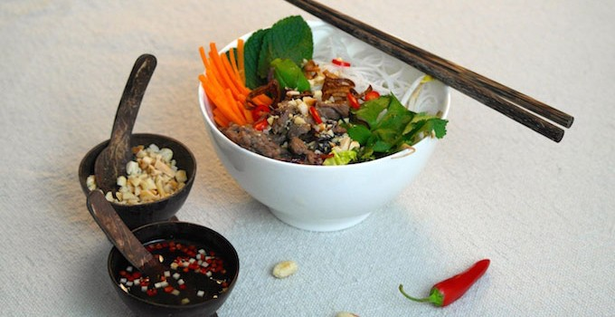 Vietnamese ricenoodle salad with marinated beef