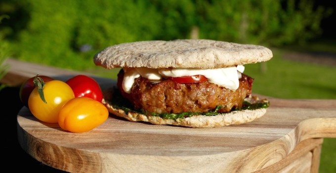 Oriental Lamb Burger with Mint Pesto and Yoghurt Sauce